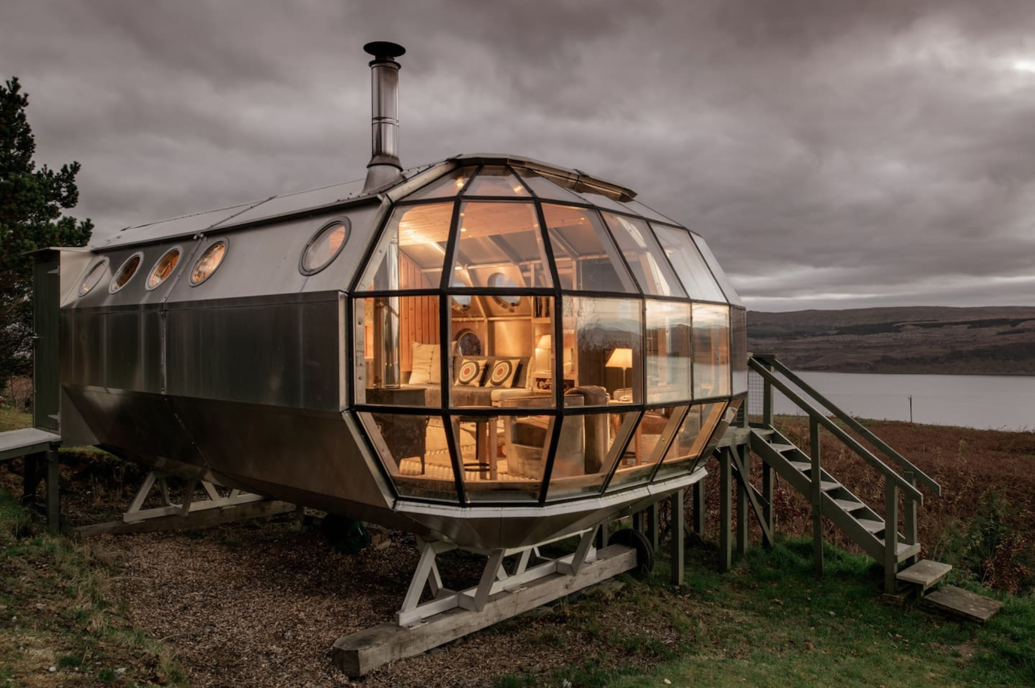Unique Accommodation Airship 002