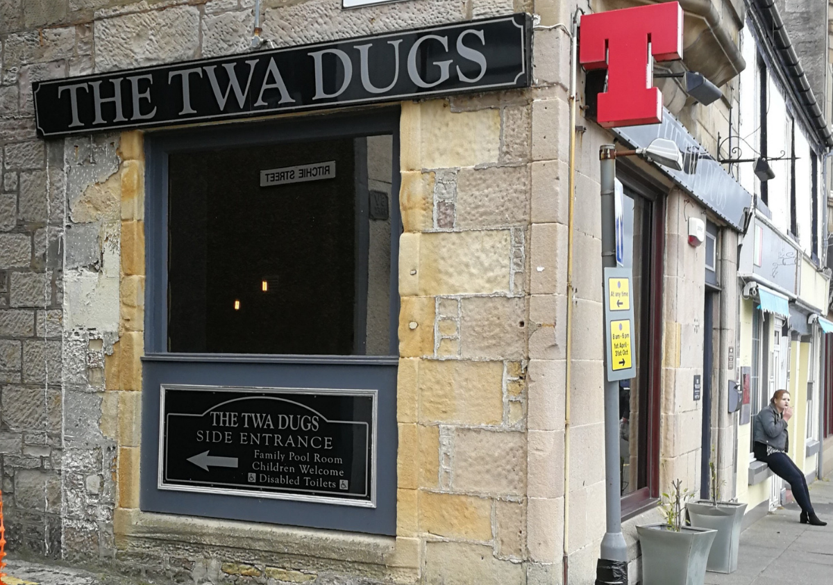 The Twa Dugs